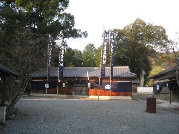 shrine02.jpg
